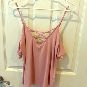 Me to We XS dusty Rose open shoulders Tee
